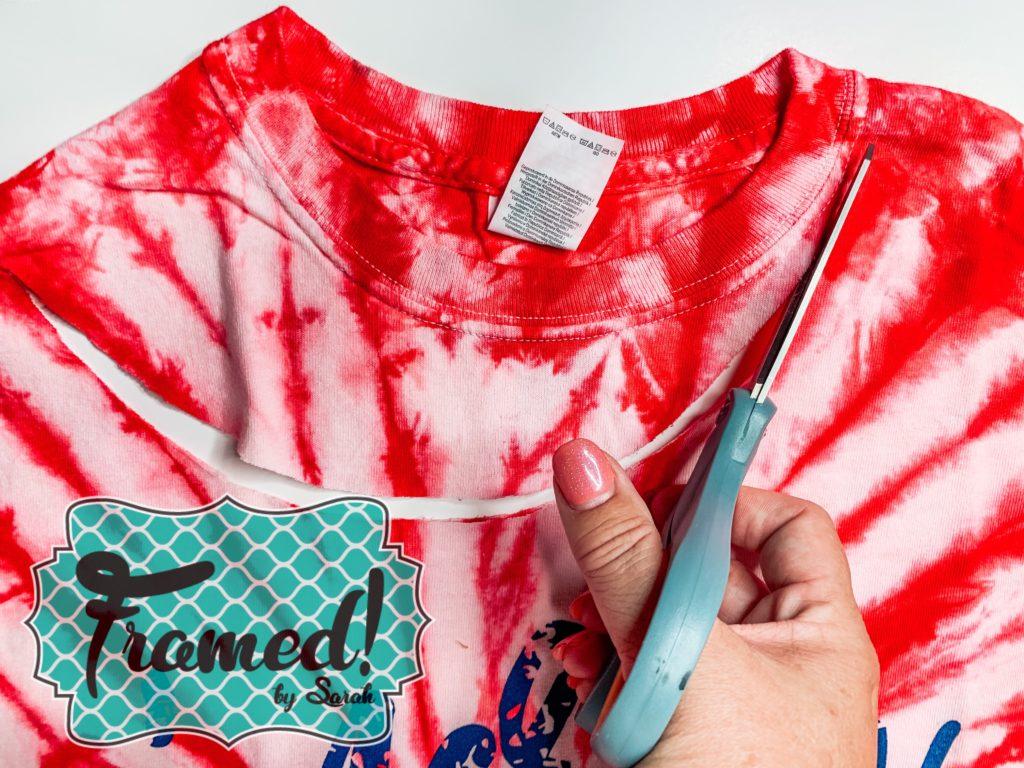 How to Distress a T-Shirt